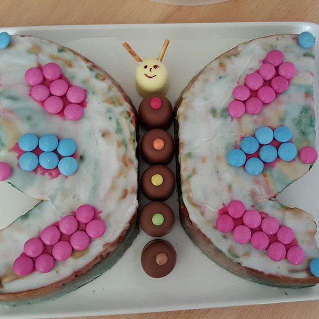 Birthday Inspiration Meine Motte Ganz Alleine Dekoriert Kuchen